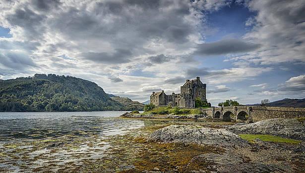 Eilean Donan Castle by Claudio Bacinello