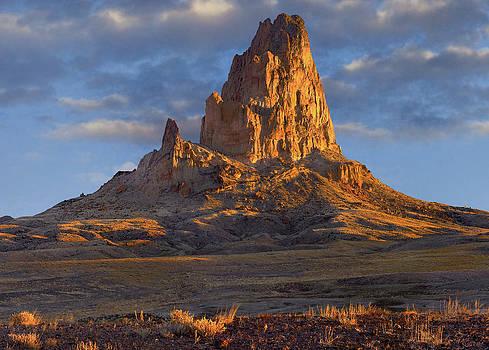 El Capitan Monument Valley in Arizona by Tim Fitzharris