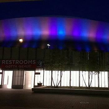 El Superdome, Ahora De Noche, Que Lujo by Roberto Carlos