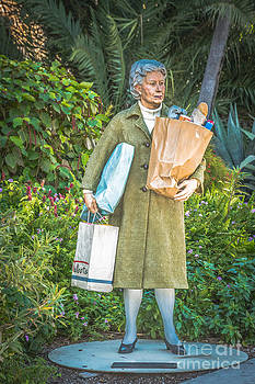 Ian Monk - Elderly Shopper Statue Key West - HDR Style
