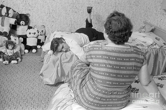 The Harrington Collection - Elvis Presley at home with his mother Gladys and his teddy bears