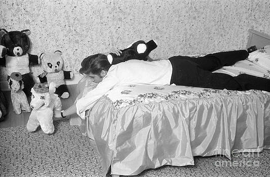The Harrington Collection - Elvis Presley at home with his teddy bears 1956