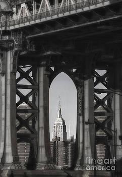 Keith Kapple - Empire State Building through Manhattan Bridge