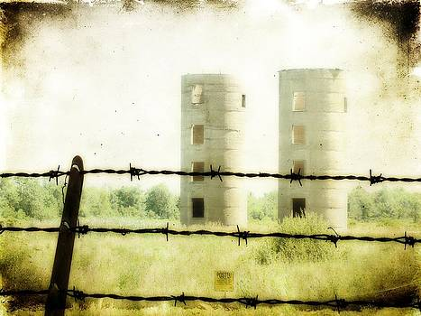 Gothicrow Images - Empty Silos