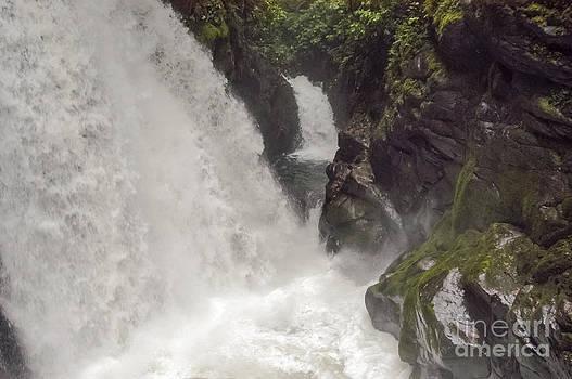 Bob Phillips - Encantada Falls