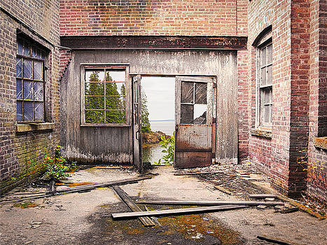 End of the Alleyway by Roslyn Rose