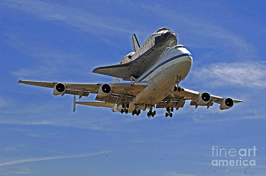 Endeavour Space Shuttle Landing in Los Angeles  by Howard Koby