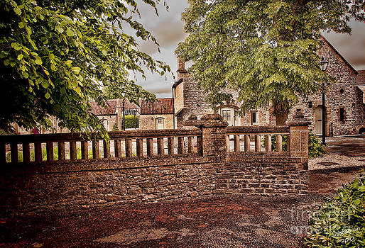 English Country by Lankanion Photography