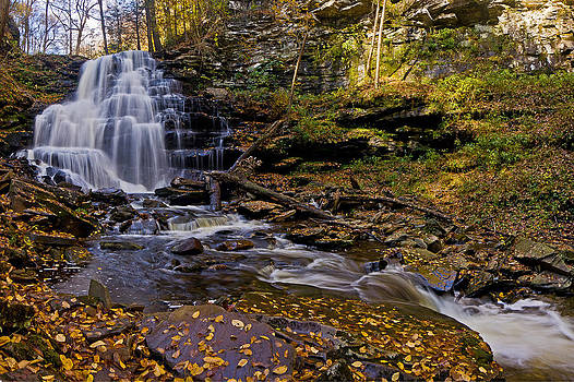 Erie Falls by Ulrich Burkhalter