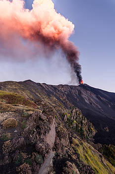 Eruption of Etna by Marco  Calandra