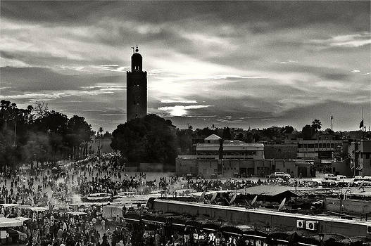 Evening on the Djemaa el Fna Square by Tomasz Dziubinski