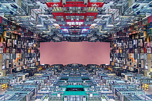 Extreme Housing in Hong Kong by Lars Ruecker