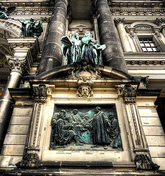 Alexander Drum - facade from Berlin Dome