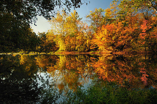 Fall on the Olentangy by Dick Wood