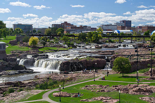 Falls Park - Sioux Falls South Dakota by David Hintz