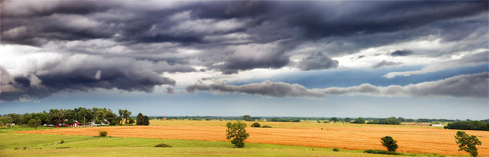 Eric Benjamin - Farmhouse in the Storm Panorama