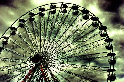 Ferris Wheel by Arnold Nagadowski