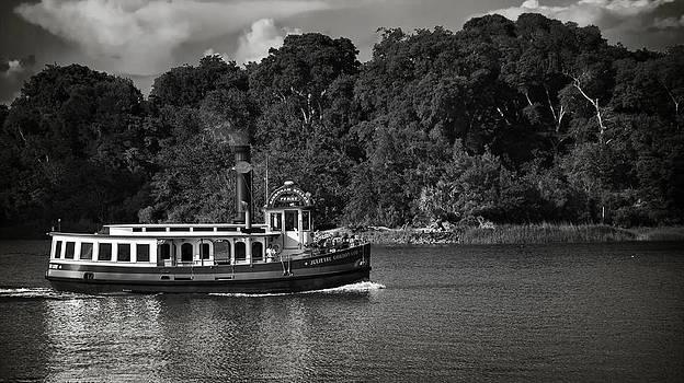 Ferry by Mario Celzner