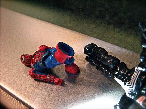 Sandy Tolman - Figures at Work - Spiderman and Venom 3440