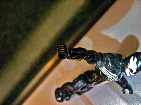 Sandy Tolman - Figures at Work - Venom 3500