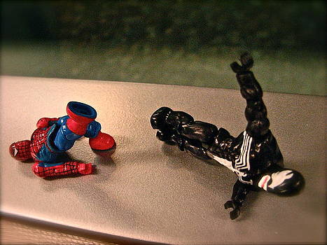 Sandy Tolman - Figures at Work - Spiderman and Venom 3435