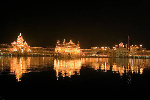 Devinder Sangha - Fine reflection at night