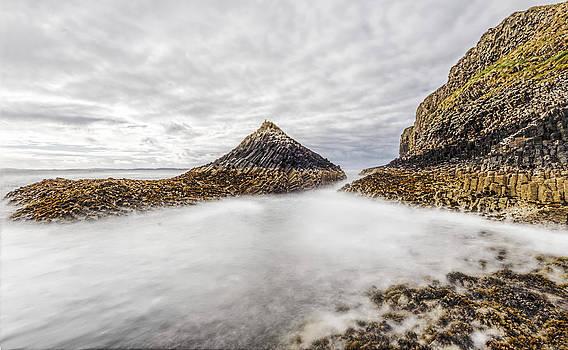 Fingals Cave Isle of Staffa near Mull by Mr Bennett Kent