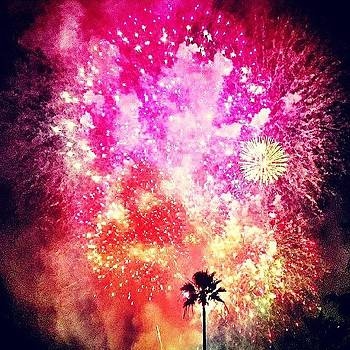 Fire In The Sky. #happyholidays #la by Samantha Ouellette