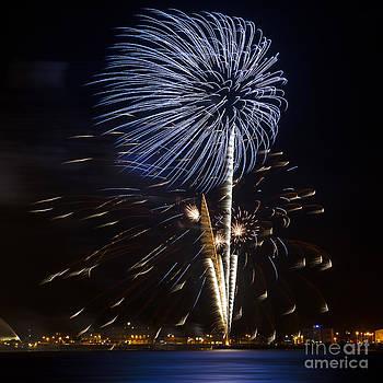 Svetlana Sewell - Firework 05