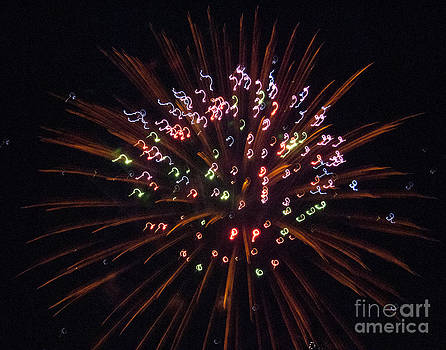 Fireworks 3 by Leslie Cruz