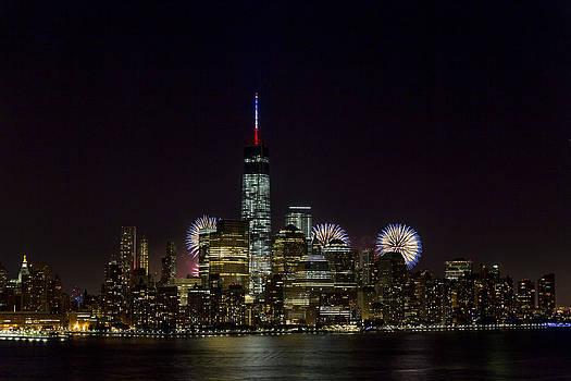 Fireworks 4th of July by D Plinth