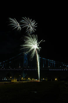 David Hahn - Fireworks at the Ben Franklin Bridge