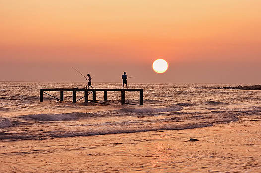 Fishing at sunset. by Alexandr  Malyshev