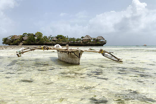 Fishing boat in Zanzibar by Pier Giorgio Mariani