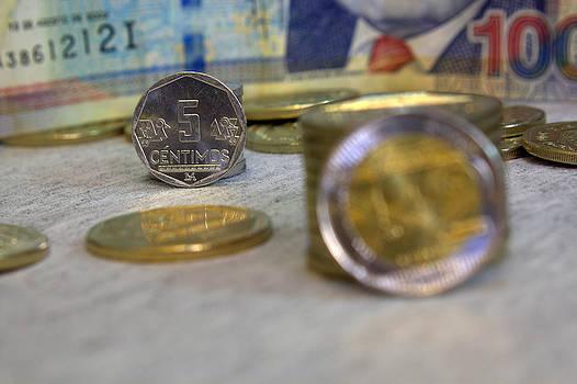 Five cents Peruvian by Luis Fernando Del Aguila Mejia