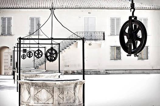Five fountain wheels by Nermin Smajic