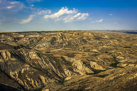 Flat Saskatchewan.... by Gerald Murray Photography