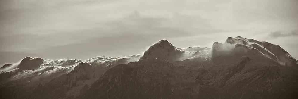 flawy mount peak I by AugenWerk Susann Serfezi
