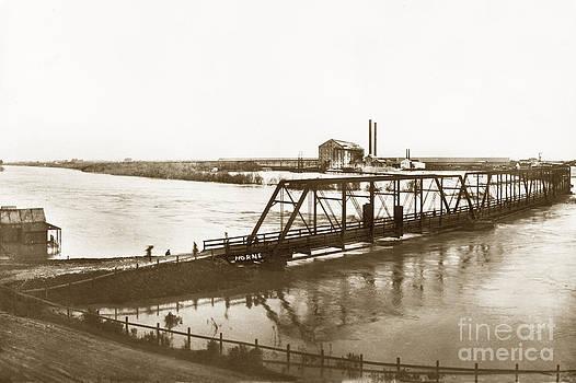 California Views Mr Pat Hathaway Archives - Flooding of Salinas Rive at The Spreckels Sugar Factory at Salinas 1911