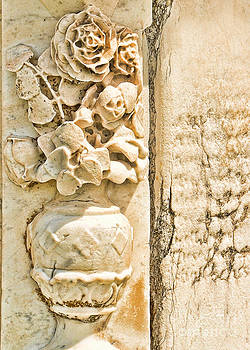 Floral gravestone by Josephine Cohn