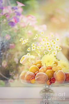 Susan Gary - Flowers n Fruit in Garden Window