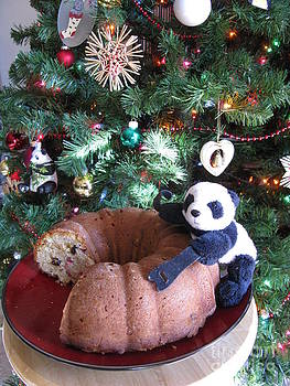 Floyd celebrates the New Year with almond bundt cake by Ausra Huntington nee Paulauskaite