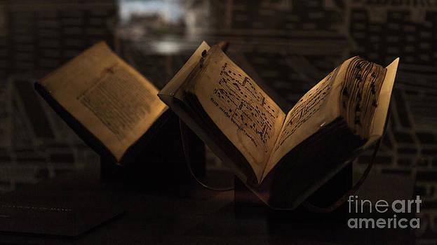 Flying Books by Eugenio Moya