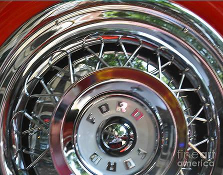 Leslie Cruz - Ford Tire Detail 1