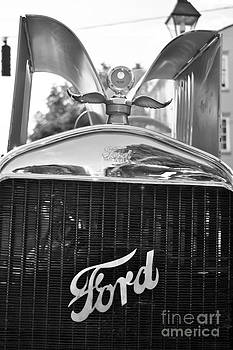 Leslie Cruz - Ford Truck