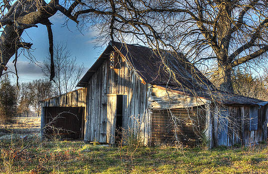 Forest Hill Barn by Lisa Moore