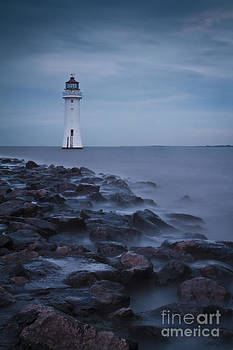 Fort Perch Lighthouse by Kirk Norbury