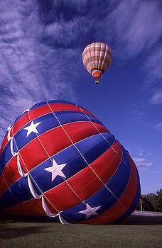 Fort Worth Balloons by Wesley Elsberry