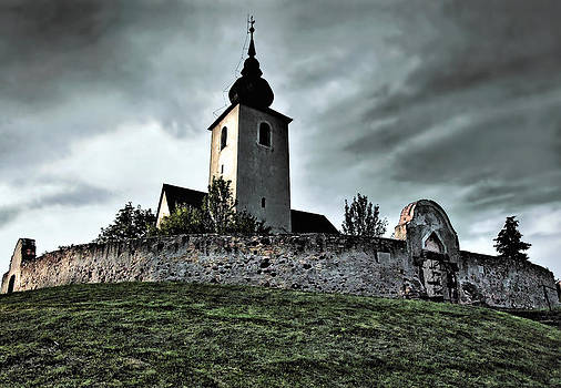 Fortress-church by Zoltan Nemes 'mettor'