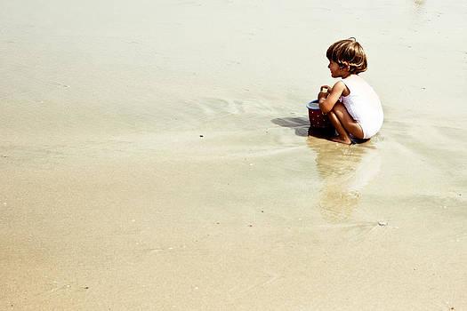 Found in the sea by Alejandra Pinango